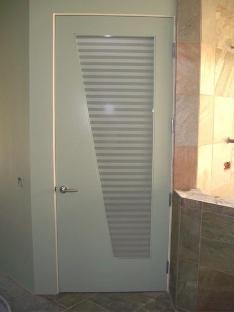 أبواب الحمامات